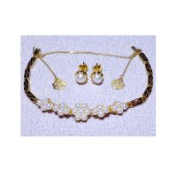 antique pearl jewelry